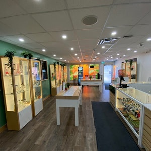 Calgary+%E2%80%93+32nd+Avenue Cannabis Dispensary - Image 1