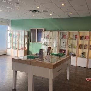 Calgary+%E2%80%93+Roxboro Cannabis Dispensary - Image 1