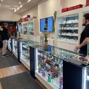 Toronto+%E2%80%93+Yonge+Street Cannabis Dispensary - Image 1